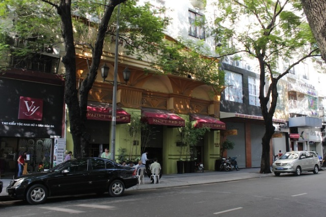There's been a Maxim Theatre-Restaurant on this site since the '50s.  Maxim's Nam An is now a high-end Vietnamese restaurant.
