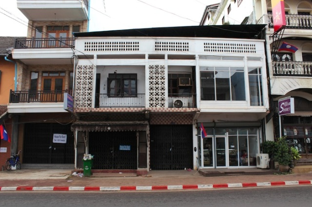 Art Deco shophouses, Thanon Samsenthai.
