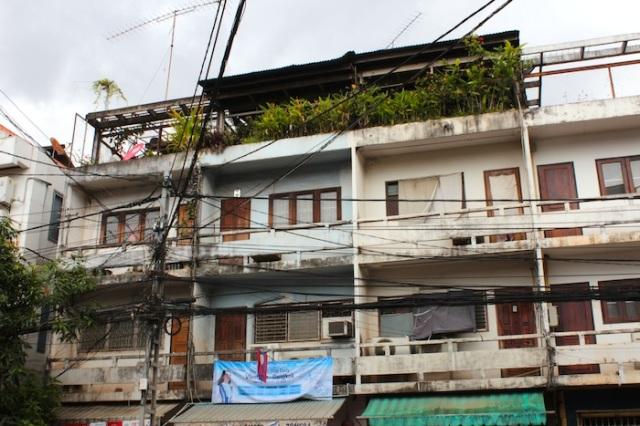 Phnom Penh style apartments, Thanon Samsenthai.