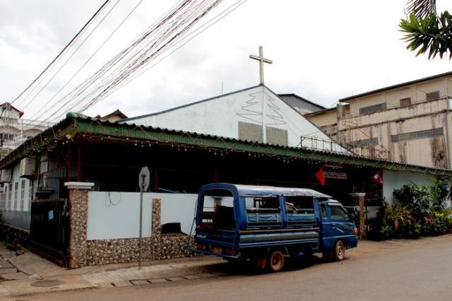 Evangelical Church, reminiscent of Indonesia. Thanon Phanompenh.