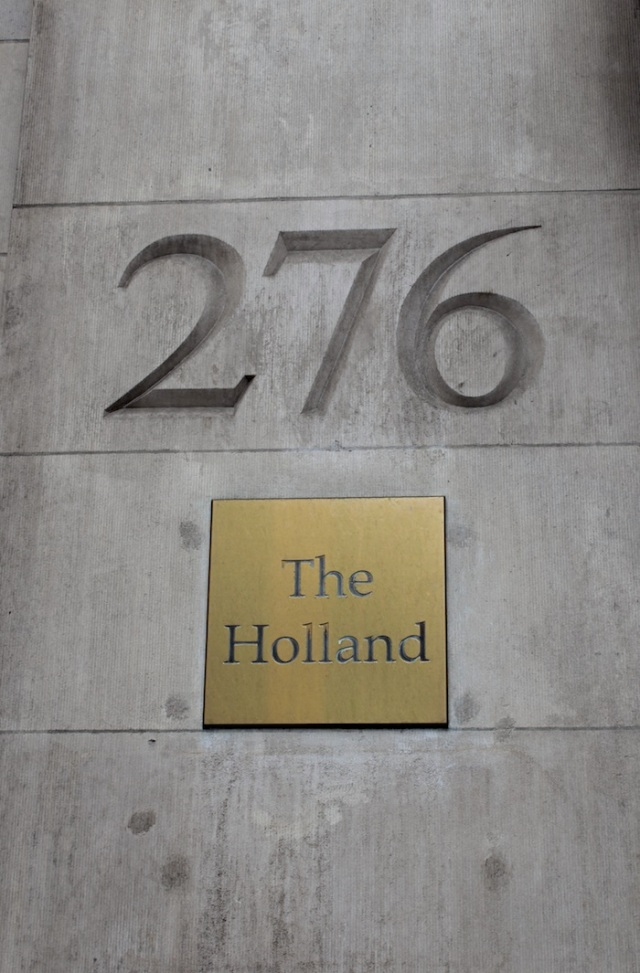 29 – No. 276 5th Avenue: The Holland Building (1891), one of the most luxurious hotels in the world when it was built.