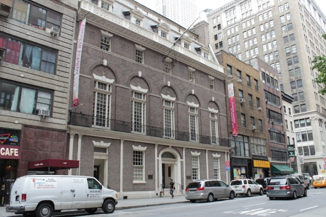 33 – The American Academy of Dramatic Arts, housed in the original Colony Club building (1904) designed by architect Stanford White. The Colony Club was a private social club for wealthy women.