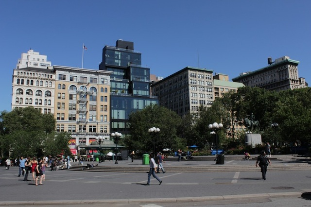 27 – The southern end of Union Square, one of the great public spaces in New York, with a view on the residential and retail blocks flanking the square.  15 Union Square – the dark glass building – houses the Amalgamated Bank.