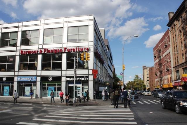 32 – Reymour & Flanagan Furniture, Lexington Avenue.