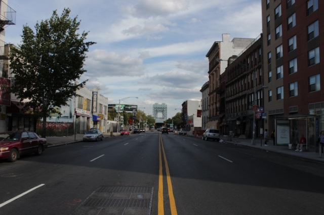 37 – View East along 125th Street towards Robert F. Kennedy Bridge.