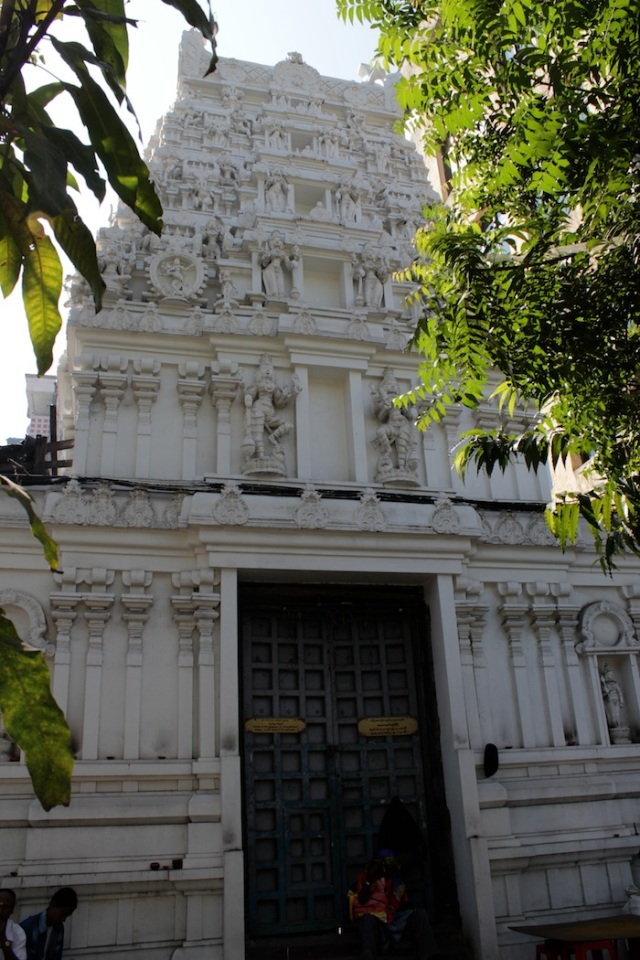 Another beautiful Hindu Temple, all white. Probably the Sri Kamichi Temple on Bogyoke Aung San Road and Bo Sun Pet Street.