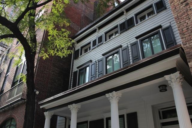 11 – Colonial-era porticoes.