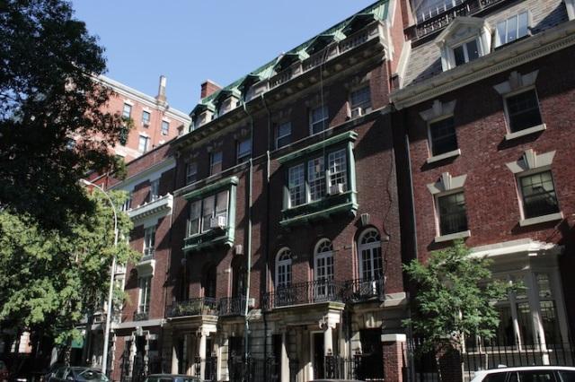 38 – Dickensian manorhouse.