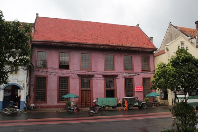 Toko Merah, the Red House.  Built in 1730 as the Residence of the Governor-General, it is one of the oldest buildings in Jakarta. Today it houses a commercial gallery.