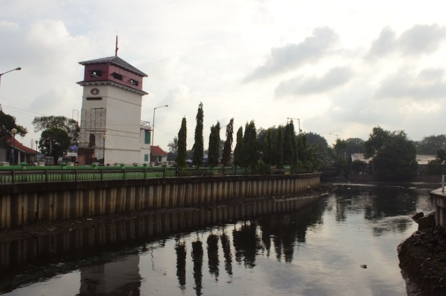 The Uitkyk Watchtower Tower at the ancien VOC docks, today known as Menara Syahbandar.