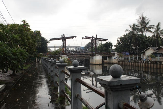 Jembatan Kota Intan, once known as the Hoenderpasarbrug (Chicken Market Bridge).