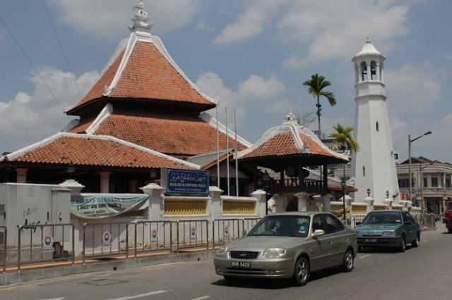 Kampong Hulu Mosque, north of Jalan Tokong.