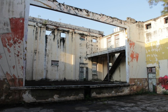 Ruins of the former Capitol Theatre, Jalan Bendahara.