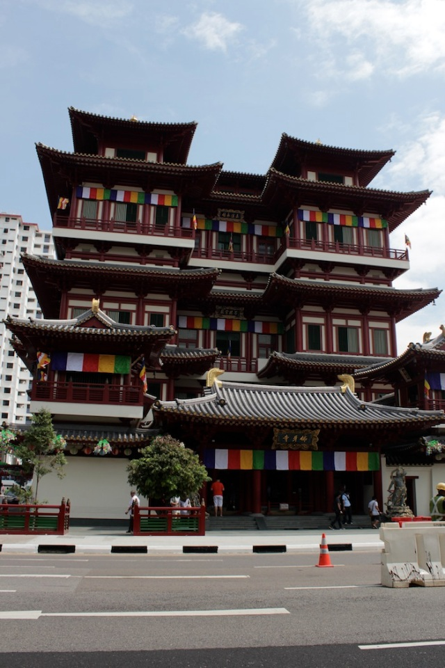 The Buddha Tooth Relic Temple and Museum (2007)