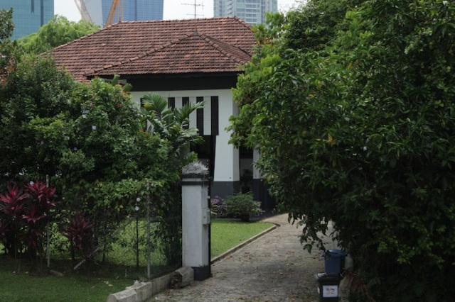 Another instance of a colonial-era mansion, Gilstead Road