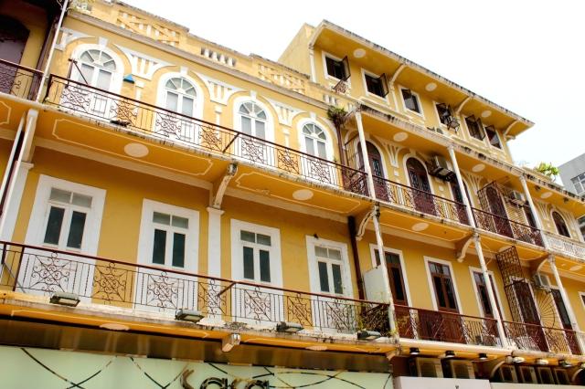 Residential facades along Senado Square.