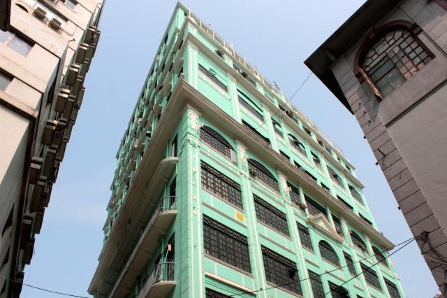 Elaborate facades along the Avenida de Almeida Ribeiro.