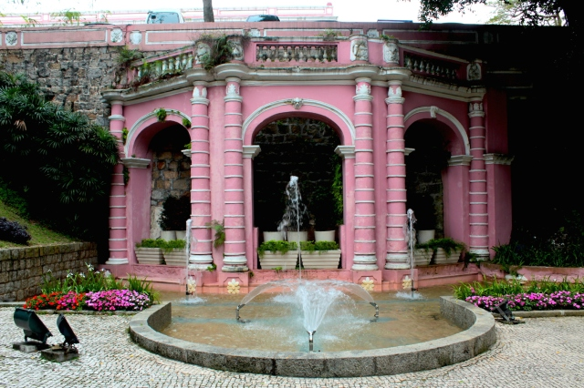 The St Francisco Garden (1580) is the oldest garden in Macau.  Most of it has been demolished, except for this delightful fountain.