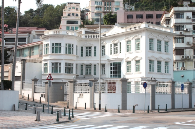 Avenida da Republica is home to a string of residential villas once occupied by the Portuguese, but today by wealthy Chinese and Macanese.  This is one of them.