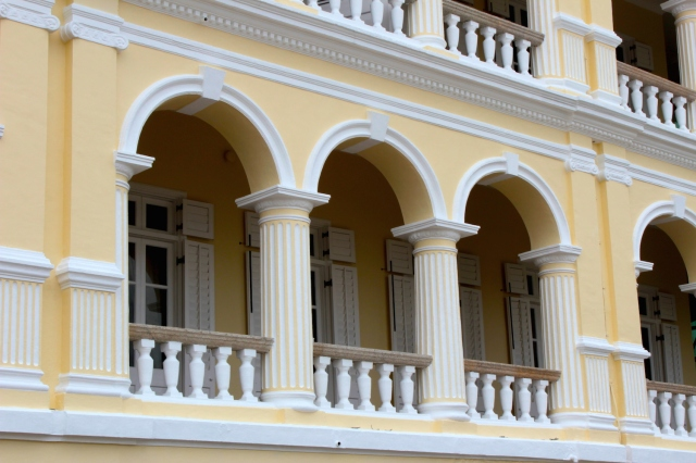 Close-up of the famous balconies, and those arched balustrades.