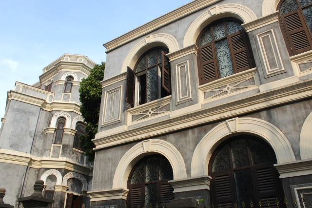 The Lin Family Mansion (林氏俯fu - 1915), today a boutique hotel.  It is also known as the Octagonal Building (八角樓)