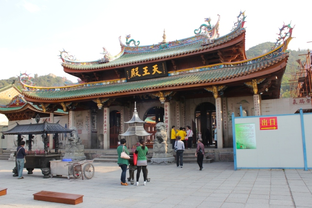 The entrance to Nanputuo Temple, which sits right beside the Gates to Xiamen University.