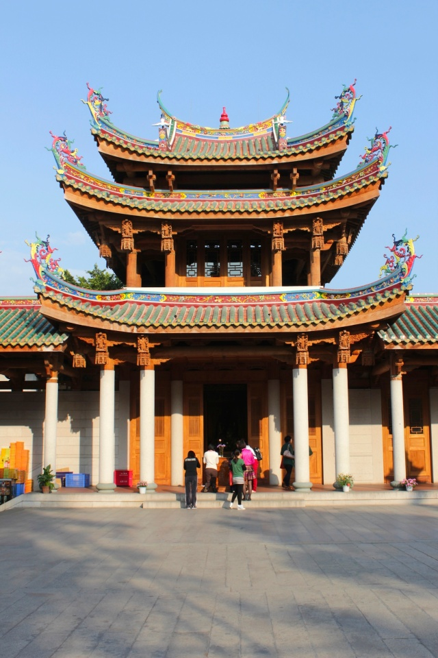 One of the many pavilion and courtyard ensembles in the temple complex.