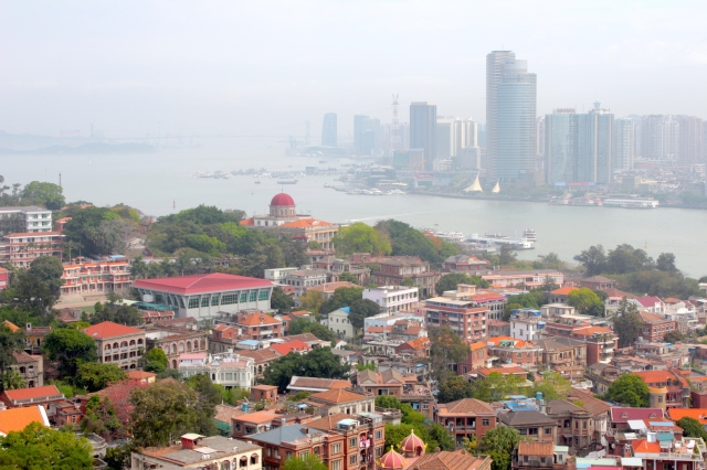 Panoramic view of Gulangyu from the Sunlight Rock.  In the near distance is the Bagua Building 八卦樓 (1907), which is an Organ Museum today.