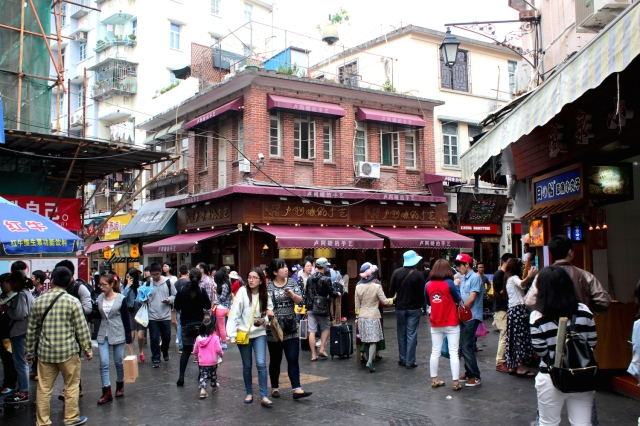 Downtown Gulangyu is bustling are full of small cafes, restaurants and gift shops housed in refurbished historic buildings.  The Chinese love it.