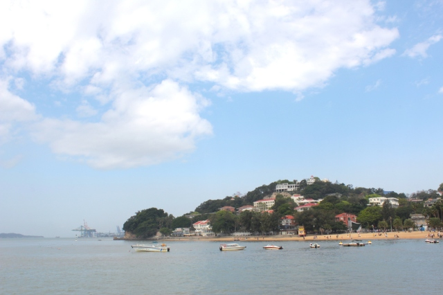 View of the other end of Gulangyu from the Shuzhuang Gardens 菽莊花園。
