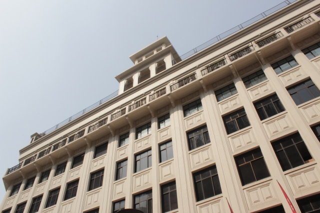 The third of the Big Four was Sun Sun Department Store, opened in 1923 by Liu Xiji and Li Minzhou. It was designed by CH Gouda.