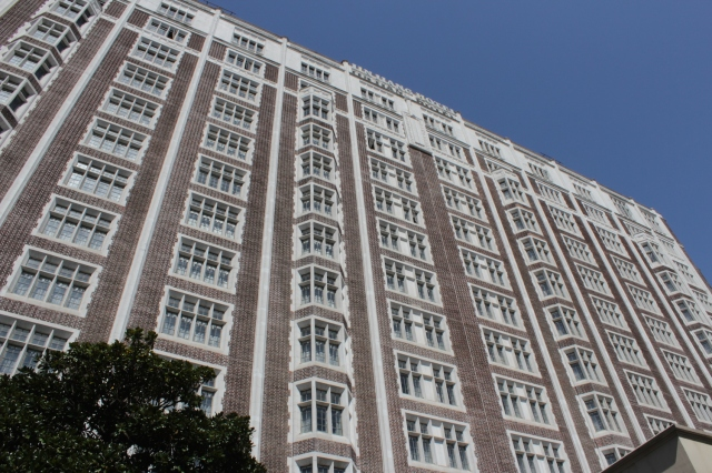 The former Cathay Mansions was undersigned by Sir Victor Sassoon and designed by Palmer & Turner.  Opened in 1925, it houses the Jinjiang Hotel today.
