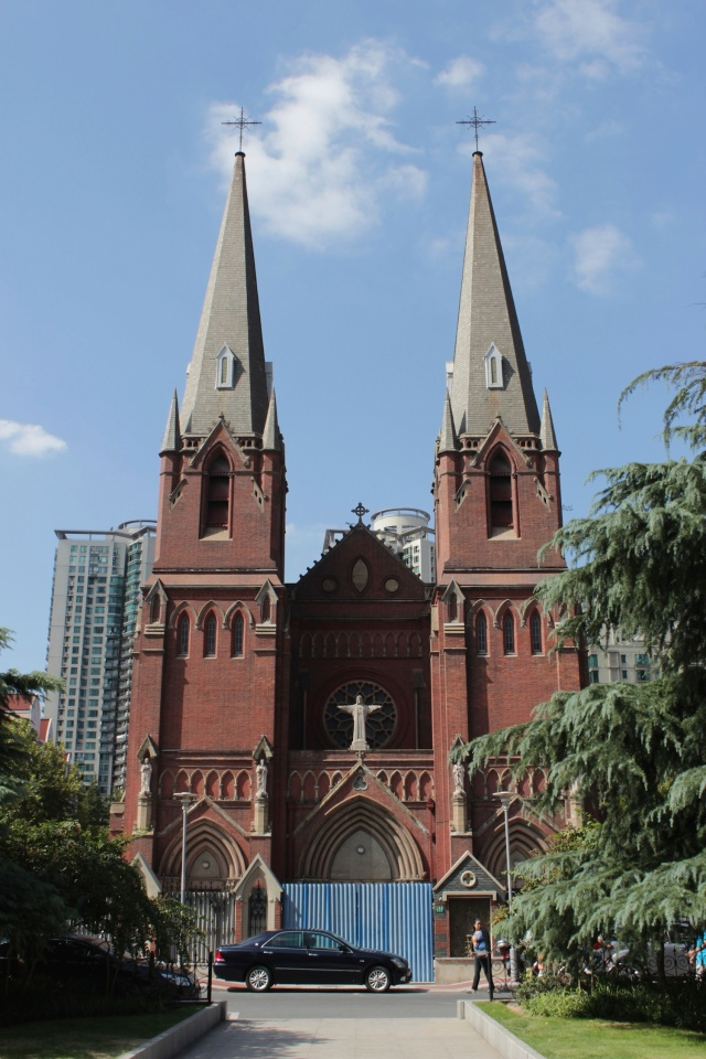 The Xujiahui Cathedral, built in 1910, stands at the very edge of the French Concession and is one of the few major landmarks of the Concession.  It was recently restored, after having suffered major damage during the Cultural REvolution.