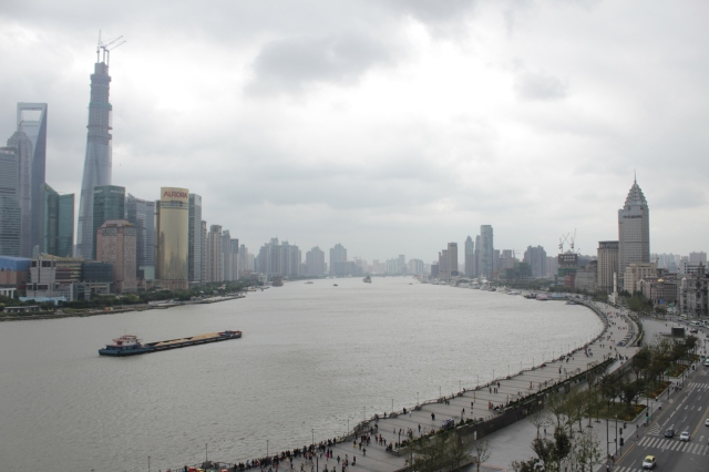 The mighty Huangpu River (黃浦江), the heart of Shanghai.