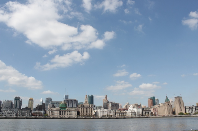 View of the Shanghai Bund (上海外灘) from Pudong, across the river.