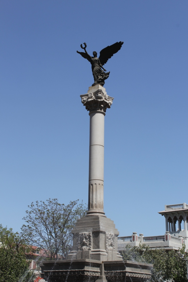 Winged Victory, at the heart of the Piazza Regina Elena