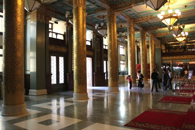 The over-the-top imperial-style lobby of the Grand Hotel Beijing (the 1954 wing).