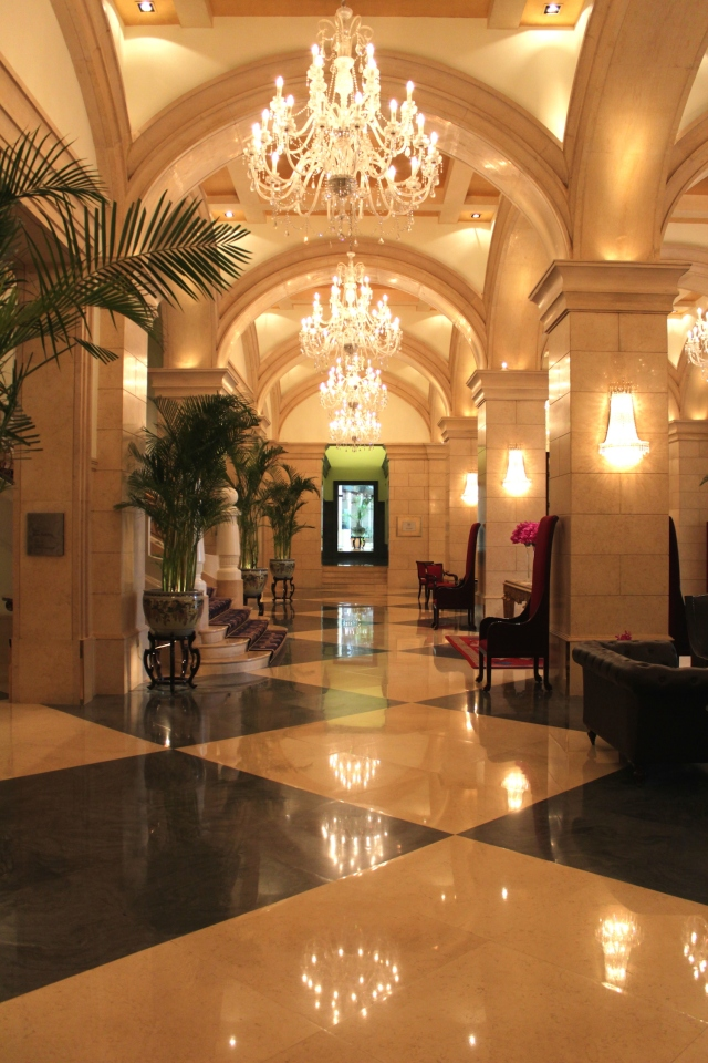 Back at the ante-lobby of the Raffles Beijing Hotel.