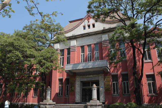 Municipal offices in the vicinity of People's Square.  This is built in an Imperial Meiji architectural style, fusing Western and Japanese elements.