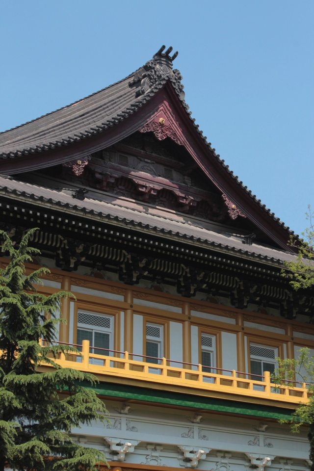 The city's main Shinto Temple, housing the Dalian Peking Opera Troupe today.