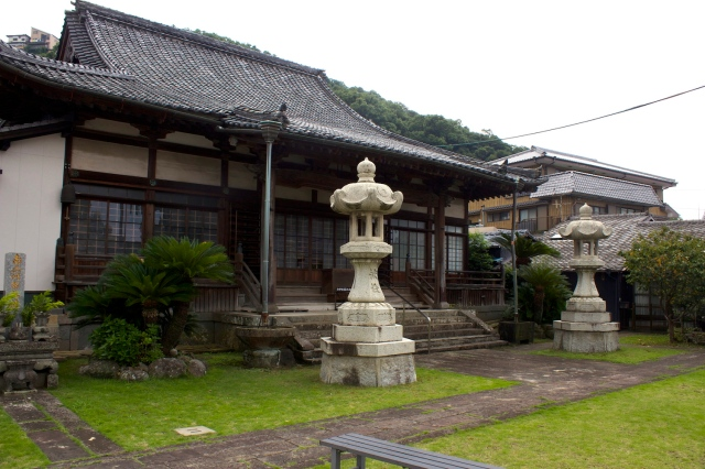 The grounds of Jinsou-ji.