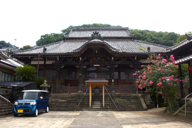 The main temple, Sanpou-ji.