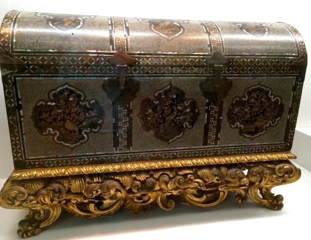 Nanban lacquer chest, possibly early Dutch era (mid - late 1600s).