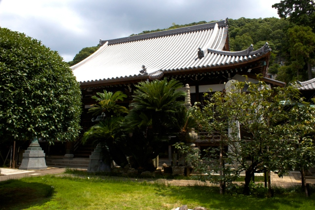 The grounds of Chosho-ji