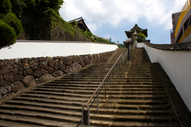 The stairway leading up to Daiko-ji.