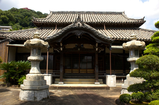 The Shofuku-ji temple proper.