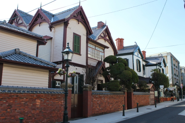 Ijinkan-dori is a main street in Kitano District, lined with ijinkan and historic gas lamps.