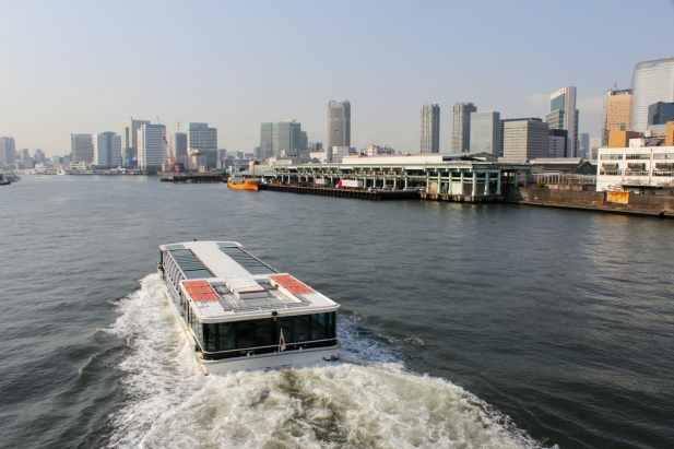 The Sumida River and the Tsukiji Fish Market (right) today.