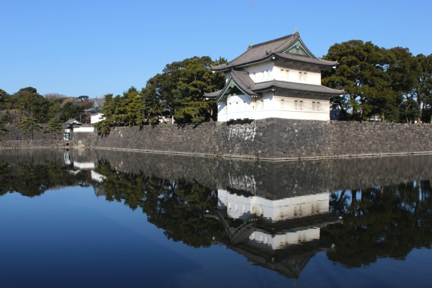 The Tatsumi Yagura 巽櫓 is another Edo-era structure sitting on the outer fortifications of the Palace.