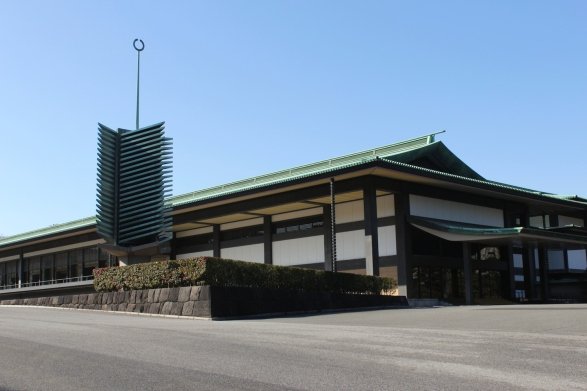 The Chowaden Reception Hall 長和殿 is the largest structure in the Main Palace 宮殿.  It was built in the 1960s.
